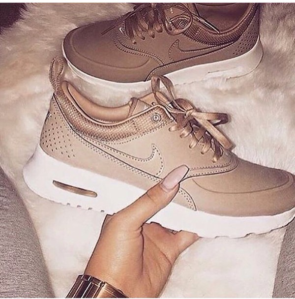 Nude Trainers 99