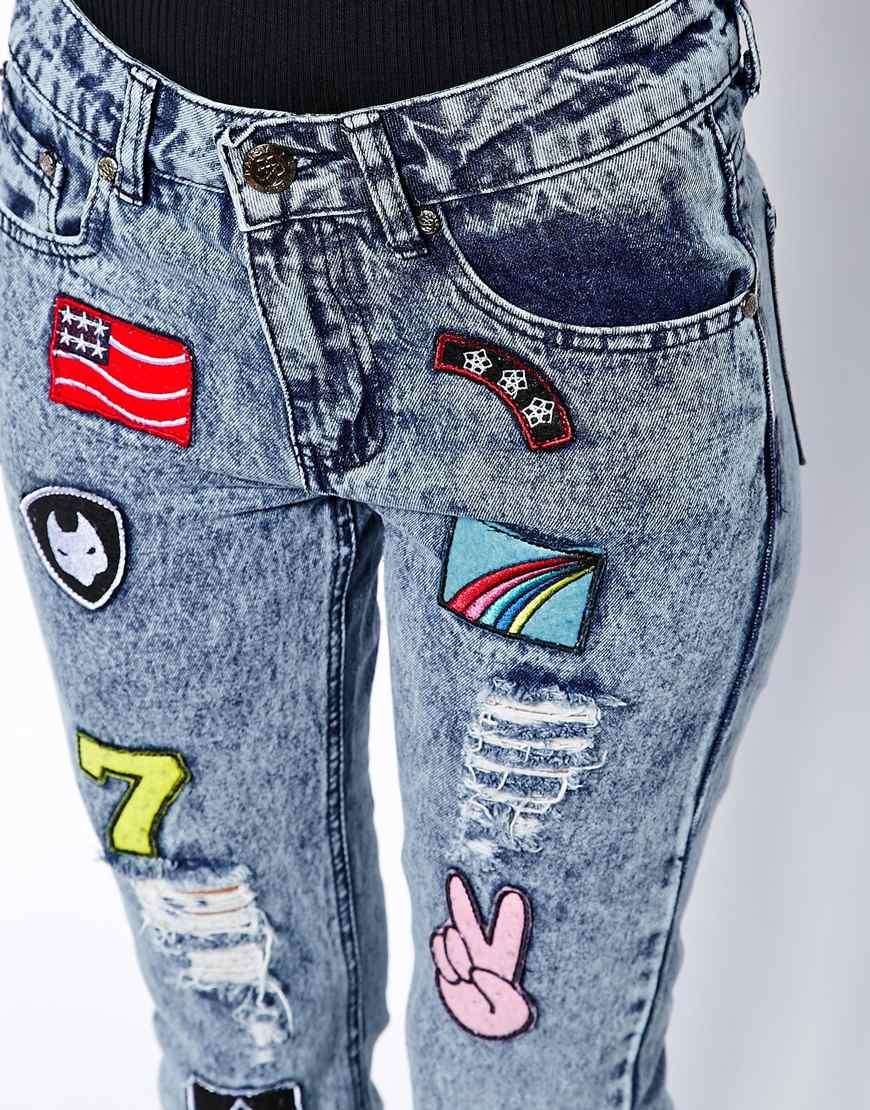 Daisy Street Mom Jean in Acid Wash with Badge Detail at asos.com