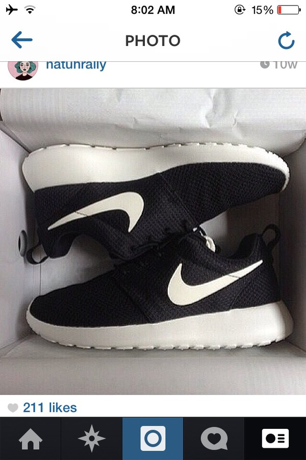 shoes nike shoes nike black white black and white black&white shoes nike running shoes black shoes roshe runs