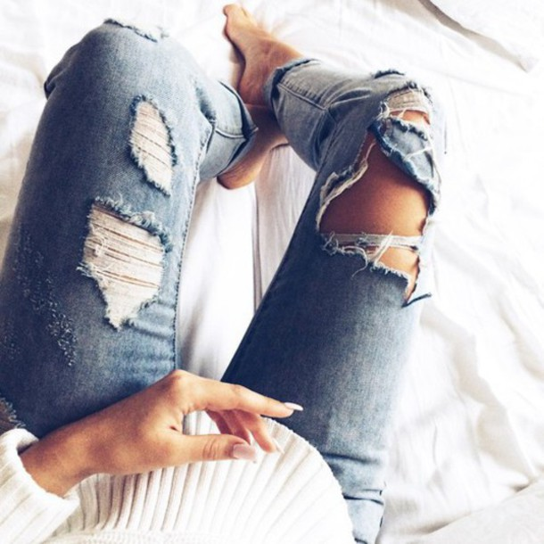 jeans ripped blue jeans cutted jeans ripped jeans perfect perfecto blue skinny jeans blue jeans girly style black and white summer pants summer outfits summer blue dress black jeans