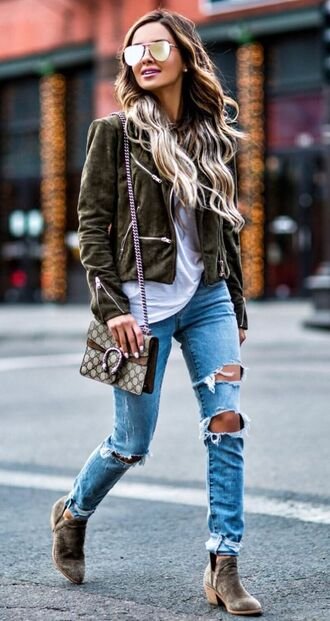 jeans dark green jacket white shirt distressed denim jeans brown boots blogger sunglasses