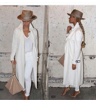 coat purse handbag bag hat trench coat white top white jeans jeans pants skinny pants skinny jeans style fashion outfit accessories beyonce celebrities in white all white everything long coat felt hat
