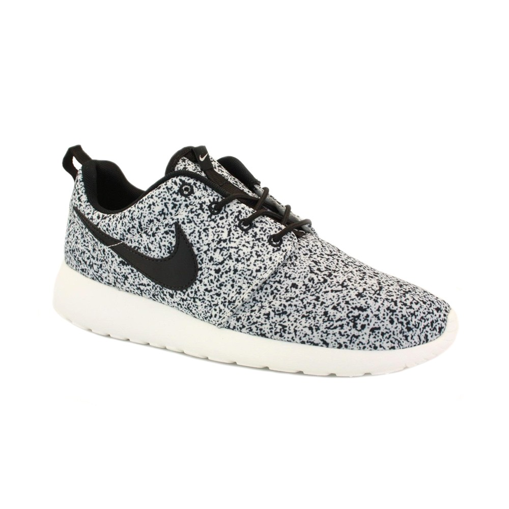 finest selection 165ec e39ce Nike Roshe Runs Black Sail