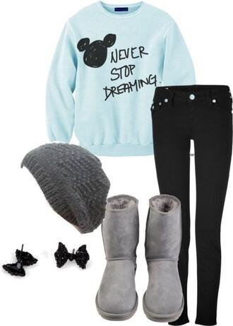 sweater hat light blue black black jeans furry boots