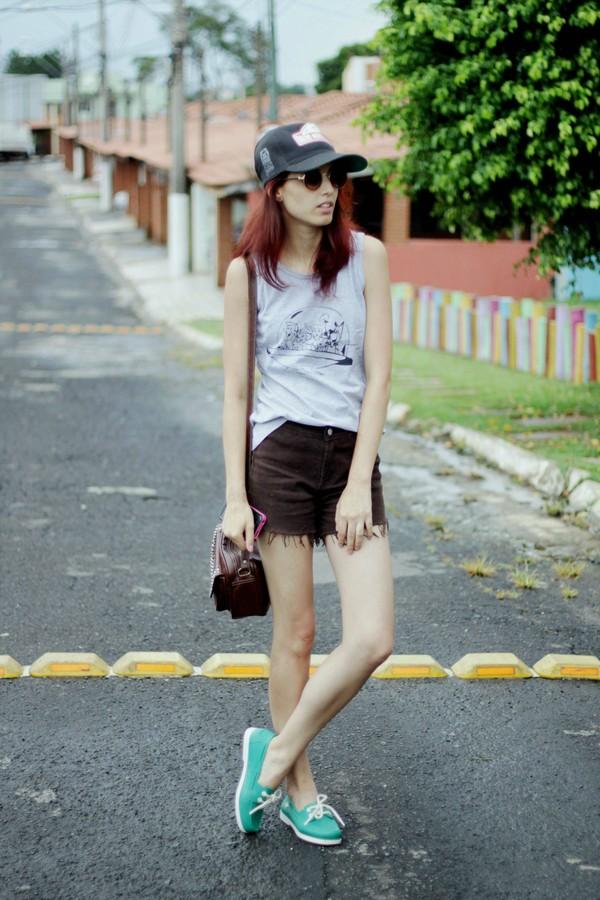 my name is glenn shirt sunglasses bag