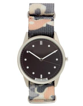 HYPERGRAND | HyperGrand – Armbanduhr mit Tarnmuster bei ASOS