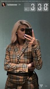 jacket,plaid,burberry,blazer,kylie jenner,kardashians,celebrity,fall colors,fall outfits