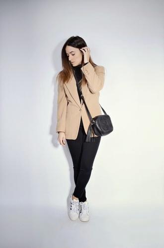 quality rivets blogger camel blazer gucci bag