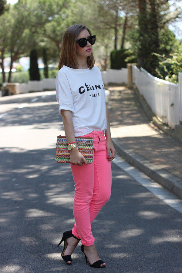 say queen t-shirt pants bag sunglasses shoes