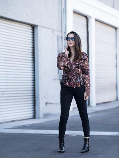 inspades blogger top jeans jewels shoes sunglasses