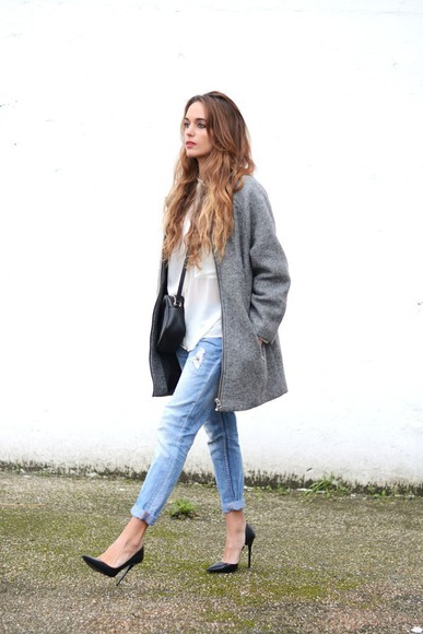 blogger bag white shirt stella wants to die grey coat ripped jeans black heels
