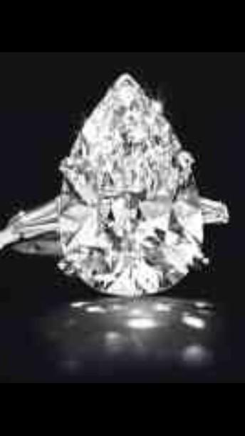 jewels engagement ring pear cut diamonds white gold something similliar?