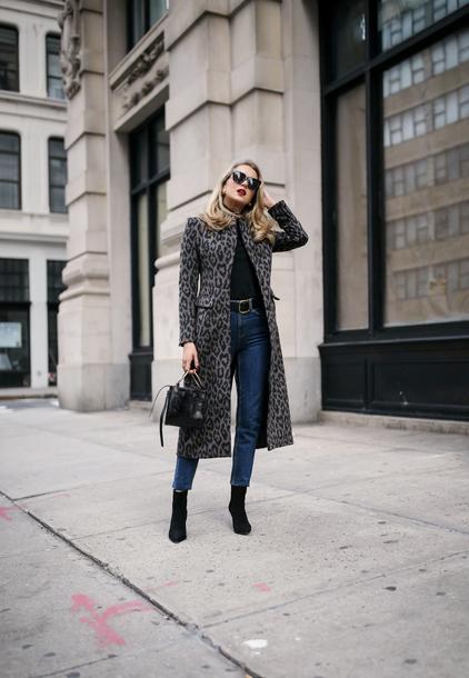 coat tumblr leopard print printed coat denim jeans blue jeans boots black boots sunglasses bag black bag