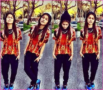 shoes zendaya t-shirt jewels pants