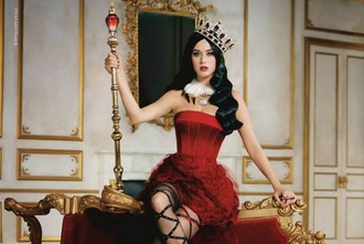 dress katy perry celebrity editorial red dress prom dress tube dress boots black boots platform boots tights crown alice in wonderland