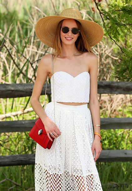 bag bvlgari serpenti bag red bag chain bag top white crop tops crop tops tube top white top skirt mesh skirt mesh see through sunglasses round sunglasses high waisted skirt tumblr bulgari serpenti bag