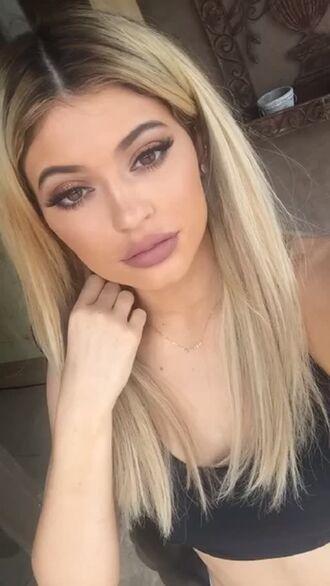 make-up false eyelashes kylie jenner long whispy pretty kardashians