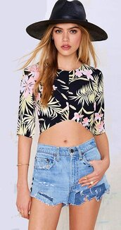 top,floral,floral top,floral crop top,sexy,sexy crop top,crop,cropped,crop tops,black crop top,short sleeve,asymmetrical,casual,casual top,casual crop top,jeans top,jeans crop top,preppy,cotton,cool,hot,cute,cute top,summer,summer top,beach,beach top,print,floral printed,sweet,beautiful,tumblr,tumblr top,pinterest,street,streetstyle,streetwear,urban,black,dark,spring,fashion toast,fashion vibe,fashion is a playground,fashionista,a fashionista,fashion coolture,fashion inspo,fashion,style,style me,style scrapbook,american apparel,lookbook,girly,girly wishlist,moraki