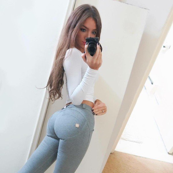 You tell big ass white girl jeans