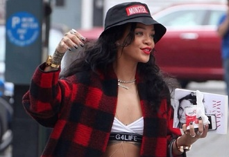 hat bucket hat rihanna
