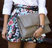 shorts,flowered shorts,bag,pants