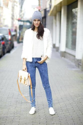 from brussels with love blogger jeans knitted beanie satchel bag fluffy white jacket