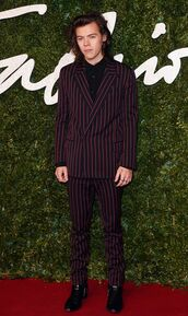 harry styles,one direction,mens suit,stripes,menswear,formal