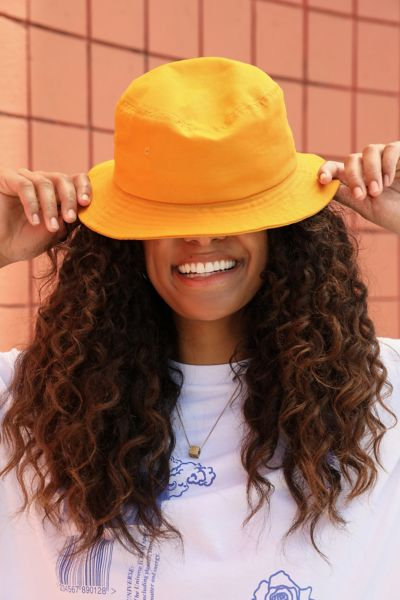 UO Chloe Basic Canvas Bucket Hat