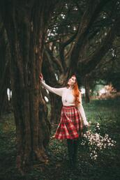 the clothes,blogger,jewels,sweater,skirt,shoes,plaid skirt