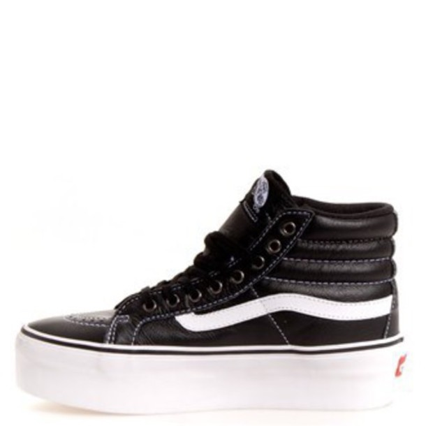 shoes black and white sk8-hi