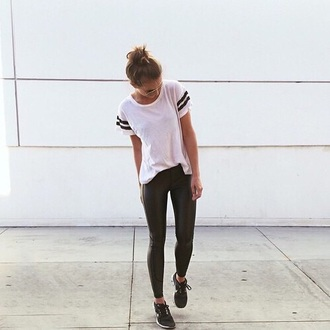 t-shirt college white t-shirt striped shirt tumblr outfit football shirts shirt white stripes black blouse leggings