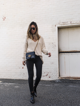 cryskay blogger sweater shoes bag gucci bag crossbody bag beige sweater ankle boots black skinny jeans spring outfits