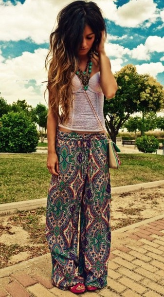 pants flowy pants bohemian boho gypsy printed pants bag jewels clothes paisley shirt hippie hipster corset top pastel indie cute outfit longhair corset purple pretty jewelry pattern green tank top tribal tribal pants hippie headband , flowers , flower hair hippie boho gypsy tribal pattern pattern pants