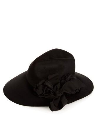 fur hat black