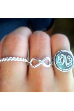 Sterling silver engraved ring with rope trim