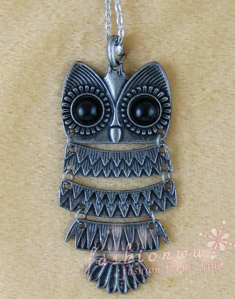 Ancient silver plated cute big eye owl penadnt necklace