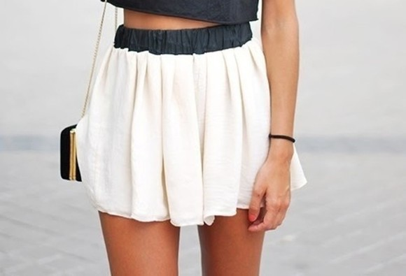 skirt floaty skater skirt casual skater posh chanel white grey mini t-shirt black black and white mini skirt