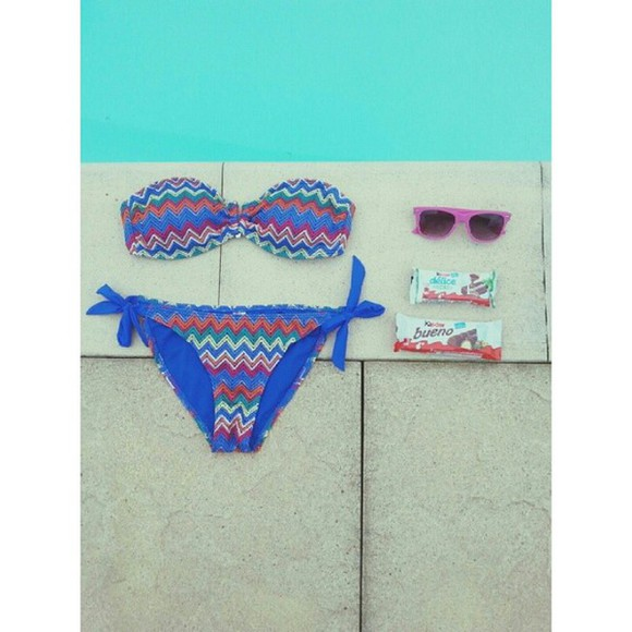 food sunglasses beach summer outfits swimwear swimingpool aztec tribal pattern colorful kinder bueno chocolate ootd lifestyle primark casual chic holidays sun