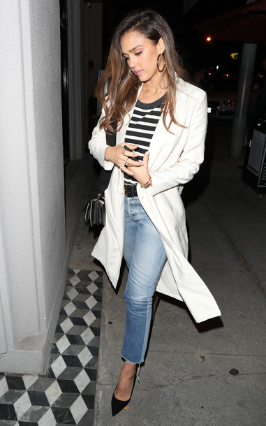 thebudgetbabe blogger top t-shirt jeans jacket shoes belt bag jewels make-up white coat striped t-shirt pumps high heel pumps jessica alba celebrity style