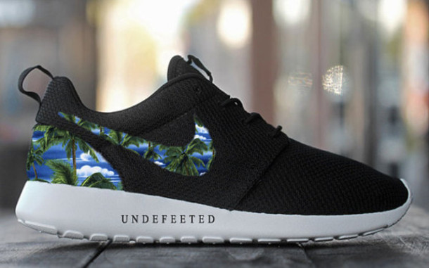 promo code 8a387 8fde8 Womens Nike Roshe Run Palm Trees