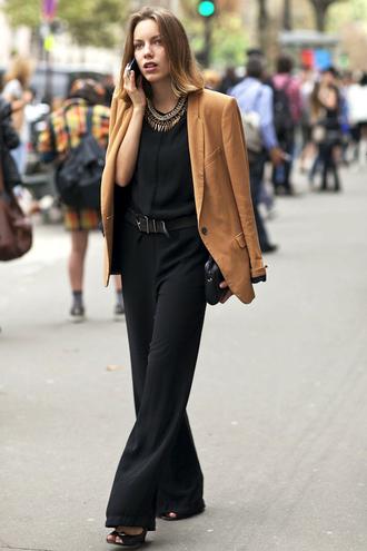 le fashion image blogger t-shirt jewels jacket jumpsuit belt