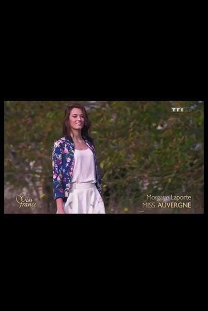 cardigan Miss France 2015 miss france 2015 veste fleurie teddy fluide teddy fleurie morgane laporte miss auvergne miss auvergne 2015 hippie boho