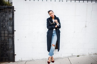 five friday faves (no. 9) blogger coat top jeans shoes jewels sunglasses winter outfits pumps navy coat