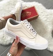 shoes,vans,vans old skool,cream