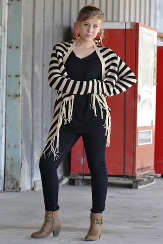 stripes cardigan fringes model fall outfits