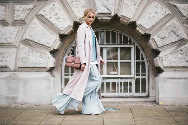 en vogue coop blogger coat pants wide-leg pants pastel light blue top sweater shoes bag pink coat