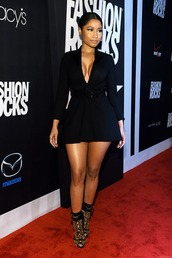 booty,babe,barbz,slaying,trinidad,nicki minaj,red carpet dress,fashion icon,designer,black,dress,cute,black dress,demure,short,short dress,pretty,heels