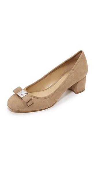 pumps light khaki shoes