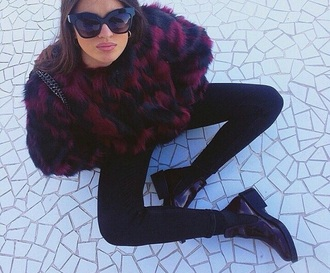 fur feathers blac burgundy