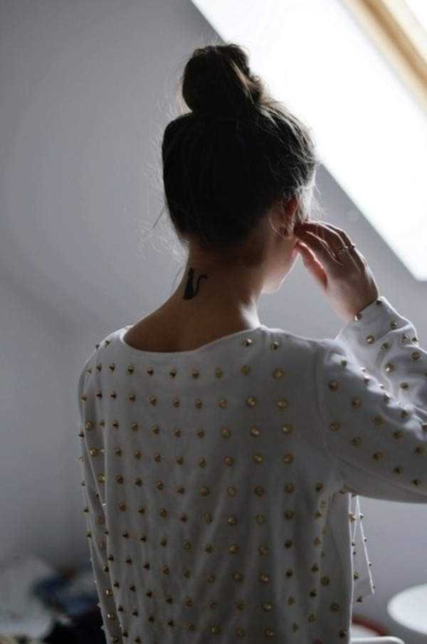 shirt t-shirt white gold blouse sweatshirt studs studded studded shirt studded blouse studded jumper sweater cute tumblr winter sweater girl tumblr girl spikes